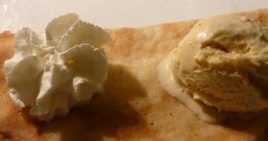 Crêpe pommes et caramel au beurre salé