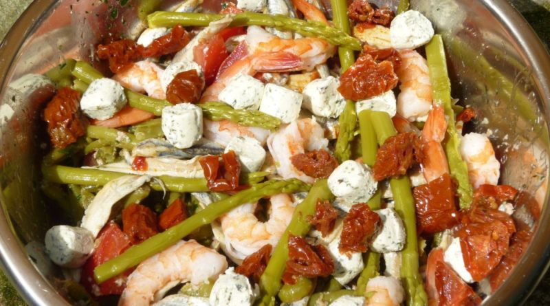 Salade haricots verts-thon-crevettes-anchois